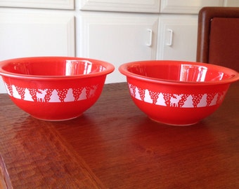 Pyrex Red Christmas promotional bowl 322 one liter
