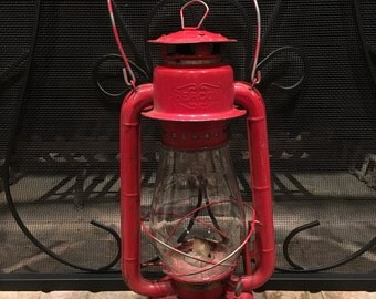 Antique Red GSW Beacon Oil Lantern, Kerosene Lamp, Railroad Lamp