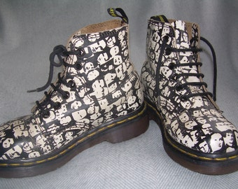 EU 33 - UK 1 Dr Martens boots - Andy Warhol pop art childs boots - Made in England - limited edition -rare DMs