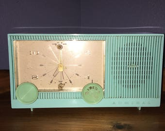 Vintage Admiral clock radio turquoise blue needs work!