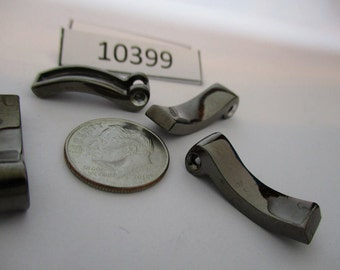 JEF10399: Package of 4 Vintage Findings (Good Weight)