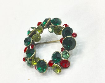 Vintage Holiday Wreath Brooch