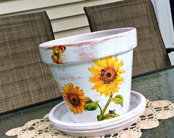 "Painted flower pot, sunflower decor,decoupage planter, country garden decor, decorated terracotta pot, gift for her,farmhouse planter,7""."