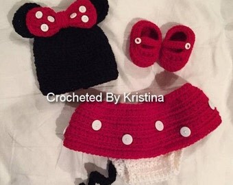 Crocheted newborn Minnie Mouse outfit, photo prop, Disney costume, Minnie Mouse skirt, diaper cover, hat, shoes, handmade costume