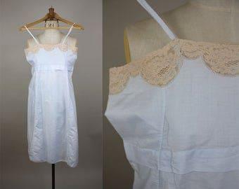 1920s Cotton Chemise / 20s Cotton Slip / Flapper Lingerie / Cotton Petticoat / Size Small / Lace Neckline / XS S