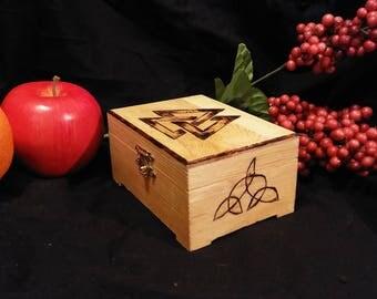 Volknaut handburned wooden box
