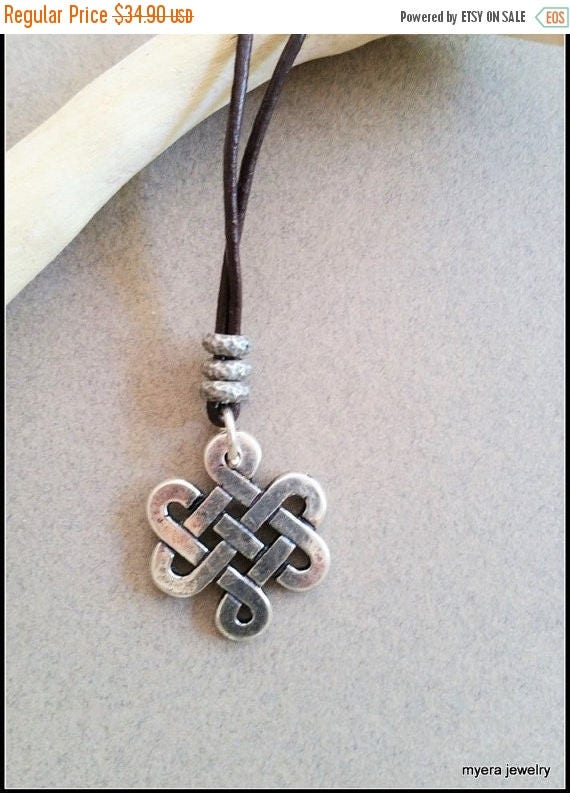 Free Shipping - Silver Infinity Pendant, Women Celtic Necklace, Celtic Knot Necklace, Celtic Talisman, Wiccan Pendant, Healing Necklace, Eso