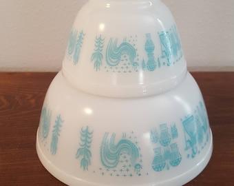 Pyrex Amish Butterprint Nesting Bowls - Set of 2