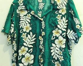 A Women's Vintage 80's,Green Short Sleeve Rayon HAWAIIAN Blouse by ALOHA HUT.xl