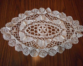Vintage butterfly Needle Lace Table Centerpiece or Doily