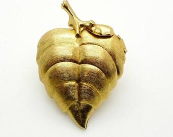 Avon Vintage 1970 Gold Tone Perfume Locket Leaf Pin Brooch