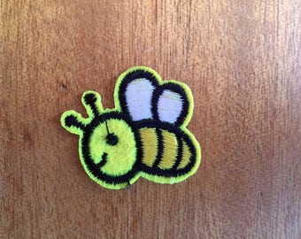 cute Yellow Honey Bee rockabilly Sew or IRON ON PATCHES Retro Child Kid Embroidered Bag Hat Clothing Patch