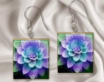 Purple Flower Scrabble Tile Earrings.  Scrabble Wire Earrings. Scrabble Tile Jewelry. Gift for Her. Birthday Gift For Mom. 209