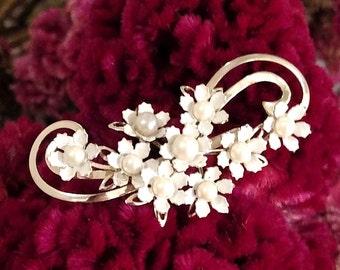 Flower Pin - Vintage