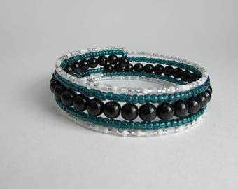 Memory wire bracelet in shades of black, green and white, Black beaded wrap bracelet, Handmade gift
