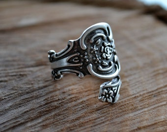 Spoon Ring, Silver Spoon Ring, Antiqued Silver Spoon Ring, Adjustable Ring, Thumb Ring (R92)