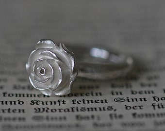 Dream rose ring in solid silver