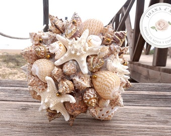 Beach wedding bouquet, Beige and gold sea shells bouquet, Beach wedding bouquet in neutral and gold tones