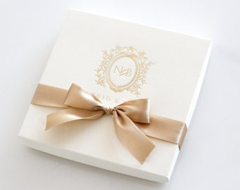 Royale Boxed Invitation