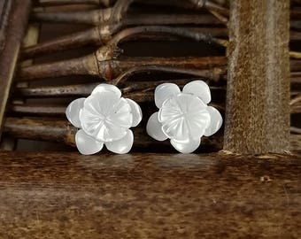 10pcs 10mm White Mother of Pearl Flower Beads White Shell Carved Flower MOP Flowers 5-petal Flowers