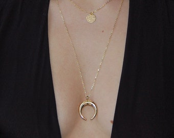 Malone necklace - beautiful big horns gold pendant necklace