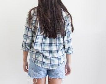 Vintage Blue Plaid Flannel // Boho Flannel // Cotton Plaid Shirt // Vintage Unisex Clothing // Blue Long Sleeve // Beach Style // Striped