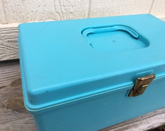 Vintage Plastic Carrying Box