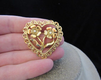 Vintage Goldtone Heart Floral Faux Pearls Pin