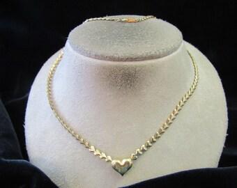 Vintage Signed Avon Goldtone Hearts Necklace