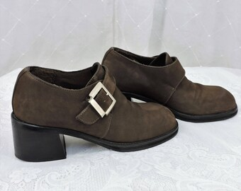 90s brown suede oxfords size 7 Andrea minimalist chunky leather buckle oxfords original price 249.90 SunnyBohoVintage
