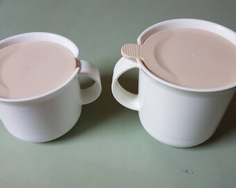 Tupperware creamer and sugar bowl