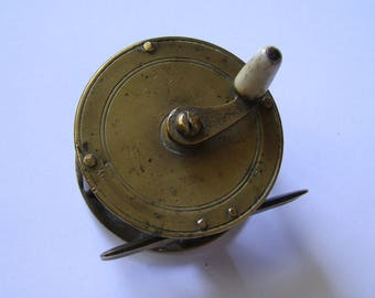 fishing reel in brass/trout/fisherman/reel fisherman 1930/Collection fishing / angling the trout/brass fishing reel
