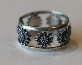 Vintage sterling silver open work sunflower band ring size 7.75
