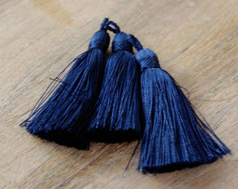 TS0136, tassel, blue tassel, quality tassel, large tassel, jewelry making tassel, jewelry supplier, tassel supplier, dark blue large tassels