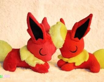Sleepy Flareon plush | Pokemon
