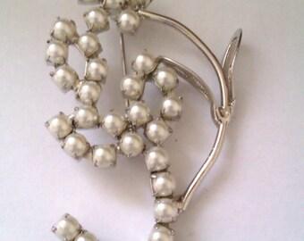 vintage pearl like bead brooch
