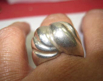 Q-65  Vintage Ring size 7 925 silver