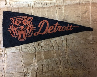 1950's Vintage detroit tigers Michigan baseball Mini Pennant 1.5x4 inch Flag Banner
