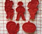 vintage tupperware plastic cookie cutters