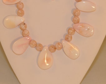 Rare Conch Shell and Mother of Pearl Necklace, Bracelet and Earrings Set