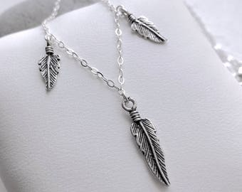Necklace short pendants with feathers in Silver 925/1000