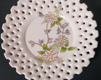 Lattice Edge Reticulated Pink Floral Plate by Feelings-Japan