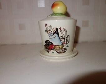Wonderful Goebel Apple Sauce Pot