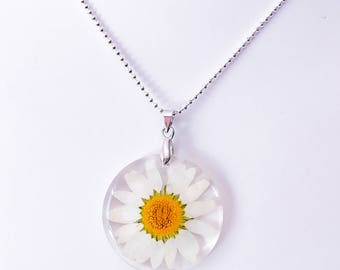 Pressed Pendant White Daisy Pendant White Daisy Necklace Real Flower Pendant White Necklace Bridesmaids Real Flower Jewelry Bridal Gift
