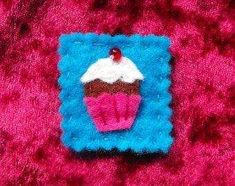 Small Cupcake Brooch
