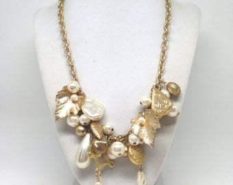 Gorgeous Faux Pearl Beaded Dangle Gold Tone Estate Necklace