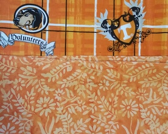 Dog bandana Tennessee Volunteers and orange reversible over the collar