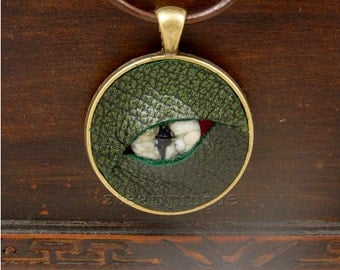 Dragon's Eye Pendant, dragon pendant, eye pendant, glass eye pendant, glass pendant, leather pendant, steampunk pendant, larp, cosplay