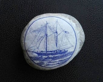 Stone PAPERWEIGHT SAILBOAT decor decoupage