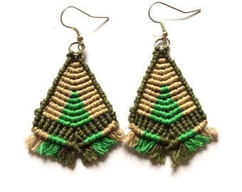 Earrings tribal triangular macrame necklace with fringes